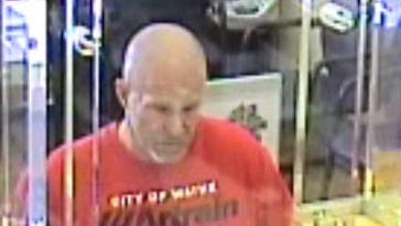 Suspect sought in Detroit bank robbery