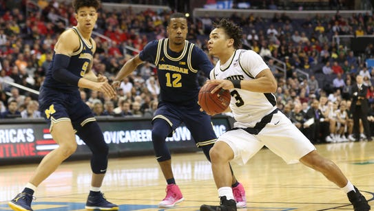 Purdue Boilermakers guard Carsen Edwards (3) dribbles