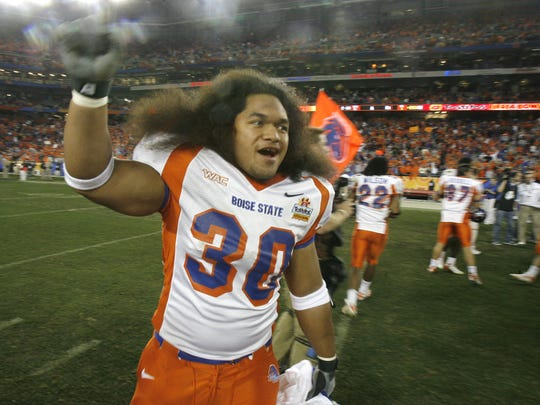 Boise State #30 Michael Lose celebrates after beating