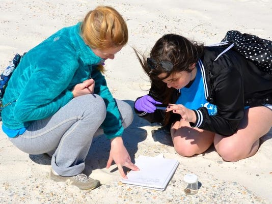 Students help oil spill researchers1