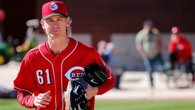 Cincinnati Reds pitcher Bronson Arroyo runs to conditioning drills during Cincinnati Reds spring training, Wednesday, Feb. 15, 2017, at the Cincinnati Reds player development complex in Goodyear, Arizona.