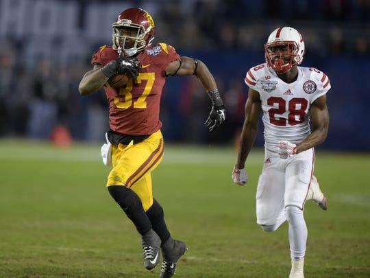 """USC running back Javorius """"Buck"""" Allen"""
