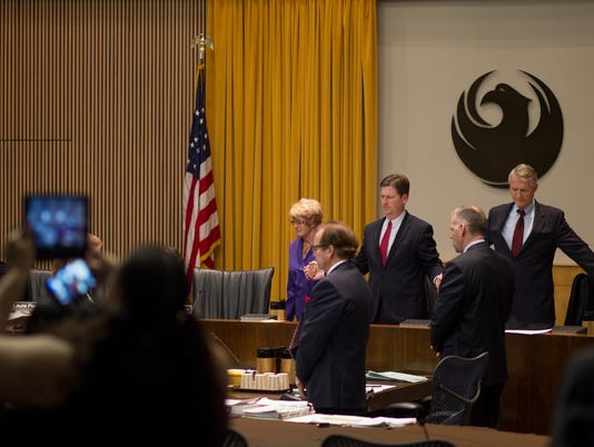 Phoenix City Council votes to end prayers at meetings