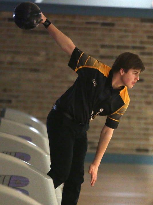 636558419287076029-sp.SEP-bowling-12.jpg