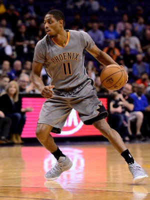 Feb 13, 2017: Phoenix Suns guard Brandon Knight (11) handles the ball against the New Orleans Pelicans in the first half of the NBA game at Talking Stick Resort Arena.