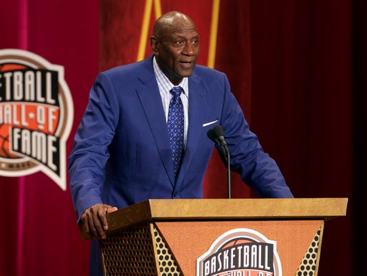 Basketball: Hall of Fame Enshrinement