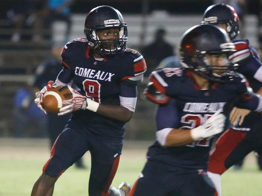 FILE PHOTO -- Comeaux takes on Sulphur during the 2015 season.