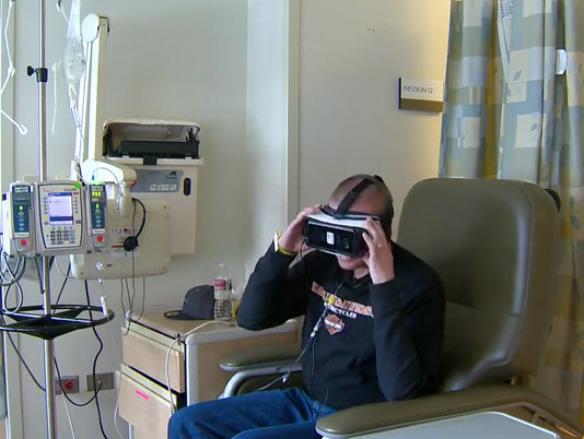 636551101134981287-vr-for-uchealth-patients.PNG