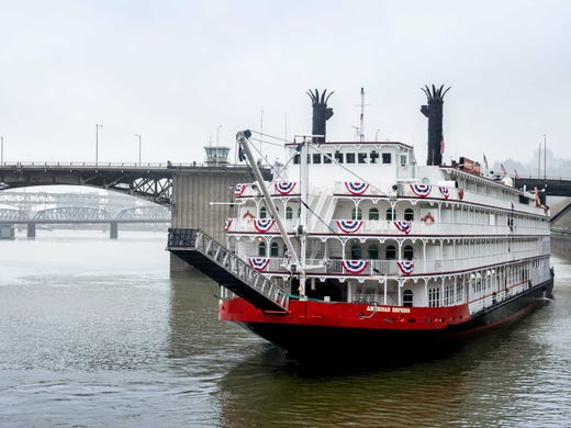 a columbia river paddle wheeler makes a comeback