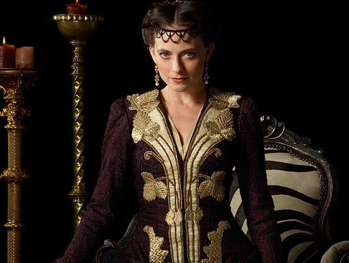 Personajes históricos en la pantalla - Página 3 1395267538000-Clarice-Orsini-Lara-Pulver-