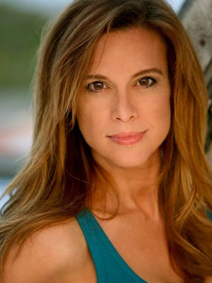 Chase Masterson will be the guest of honor at this year's RoberCon.