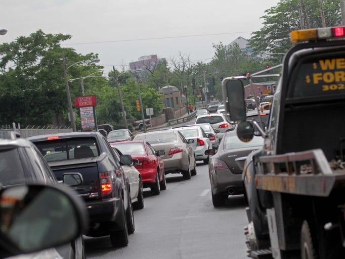 Traffic crawls along Northeast Boulevard in the southbound lanes into downtown Wilmington, Tuesday afternoon, June 3, 2014.