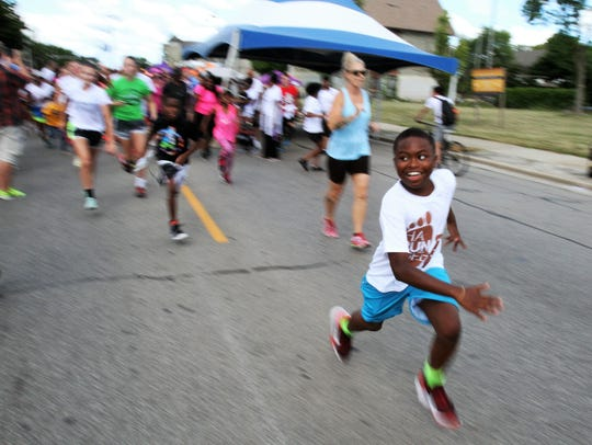 Bronzeville Week includes the HaRUNbee 5K Walk/Run