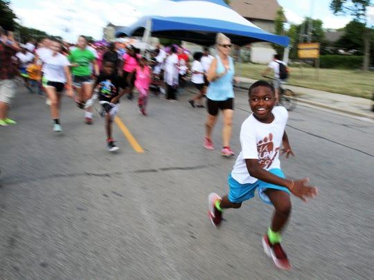 Bronzeville Week includes the HaRUNbee 5K Walk/Run