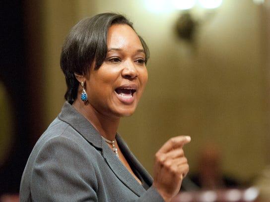 Lena-Taylor-in-Senate-Session.jpg
