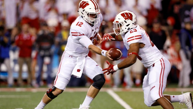 An Alex Hornibrook-to-Jonathan Taylor handoff has been a successful combination for the Badgers this season.