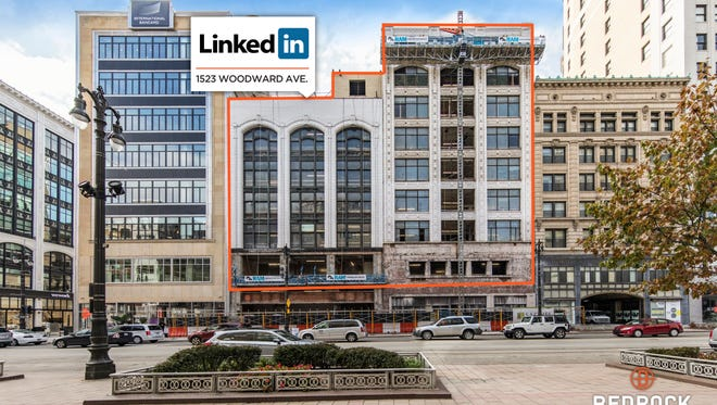 The online business networking service Linked In will move its nearly 40 employees to the historic Sanders building at 1523 Woodward, between Clifford Street and Park Avenue.