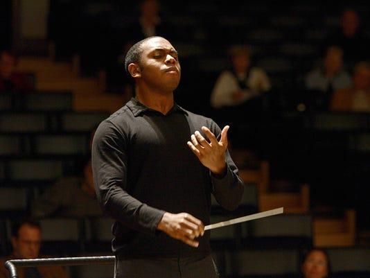 Kazem conducting.jpg