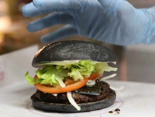 Japan Black Burger (2)