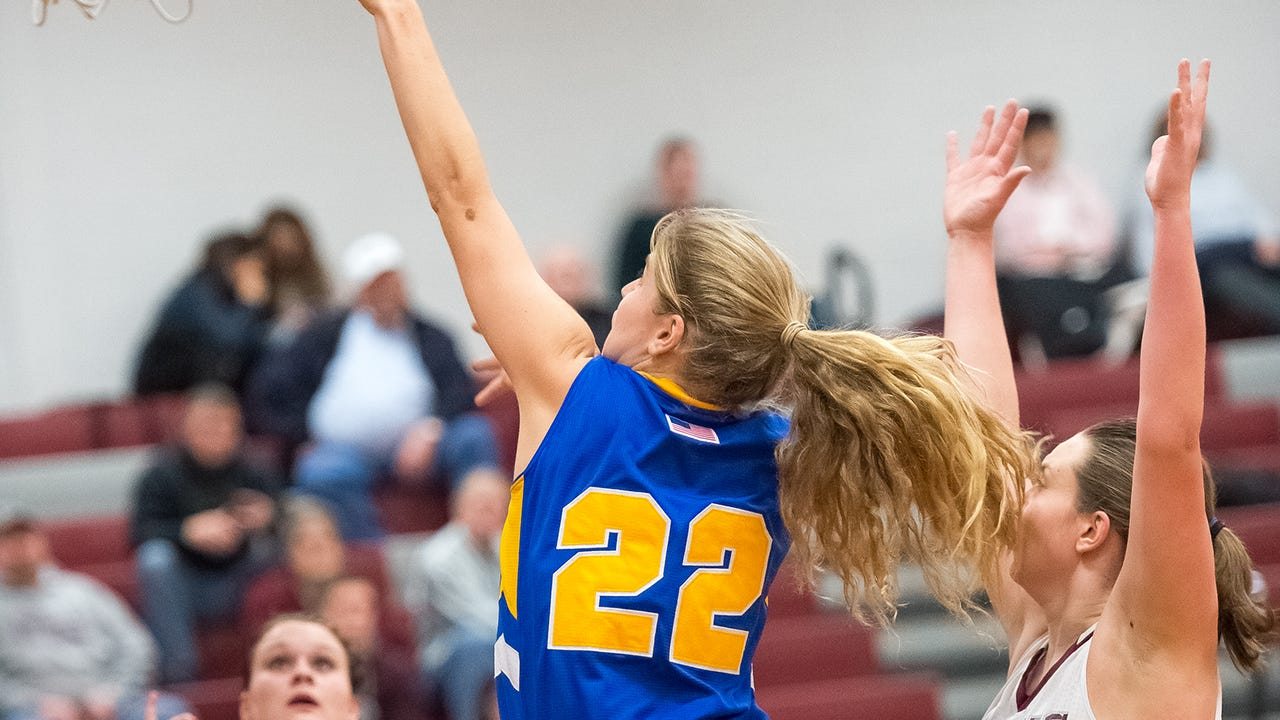Waynesboro's Cat Weber scored the 1,000th point of her girls basketball career on Monday night. Here's how she got there.