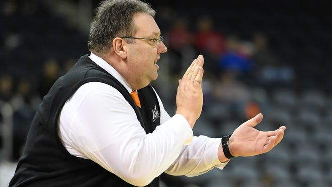 Head coach Marty Simmons and the Evansville Purple Aces basketball team are seeking their first Missouri Valley Conference victory Wednesday at Southern Illinois.
