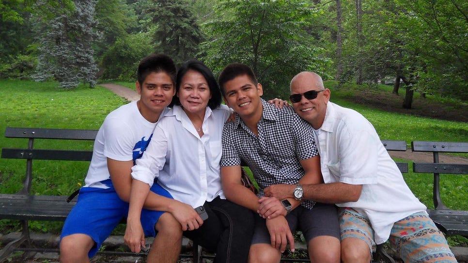 Dina Yap family_3
