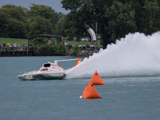 Power boat racer Andrew Tate gears up for Detroit River