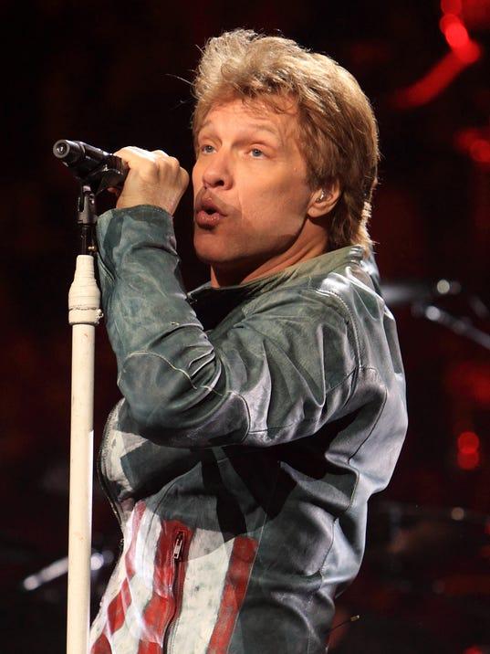 CHLBrd_11-26-2013_Daily_1_D005~~2013~11~25~IMG_Bon_Jovi_in_concert__1_1_GL5O.jpg