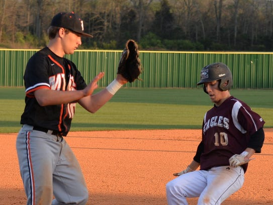 Eagleville's Brandon Kelley, right, has committed to