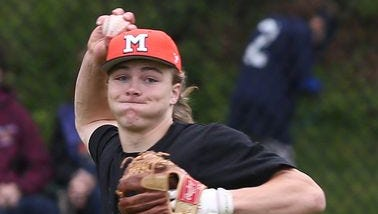 Mamaroneck defeated White Plains 6-5 in a baseball game at White Plains High School May 7, 2016.
