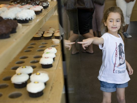 Sprinkles in downtown Scottsdale is selling cupcakes in Mom Boxes this weekend.