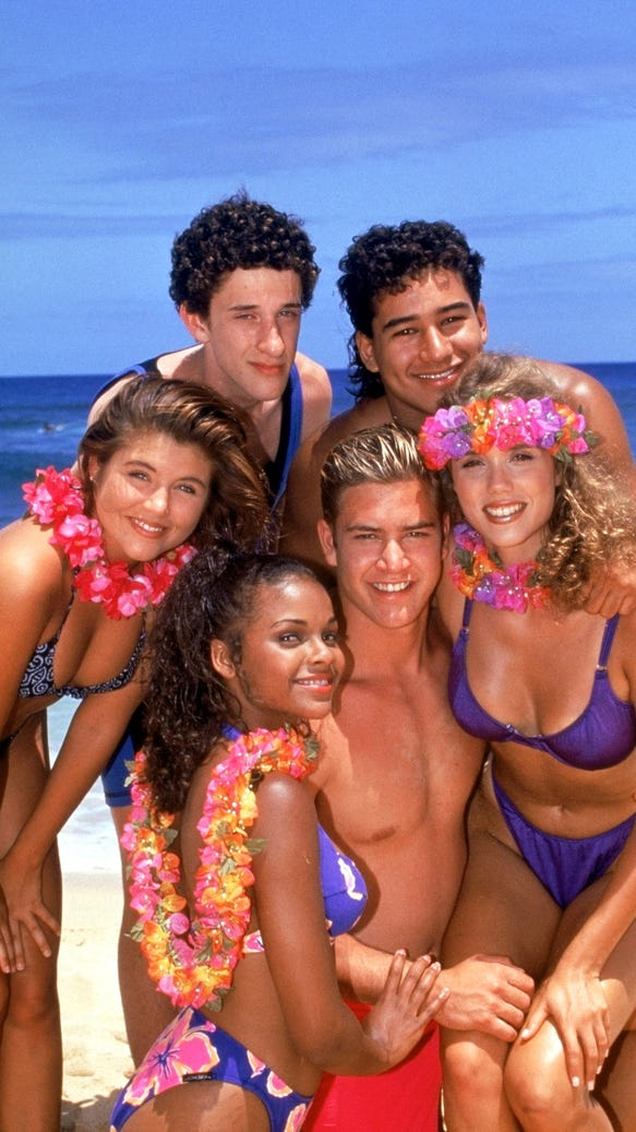 What s saved by the bell character kelly kapowski up to in 2015