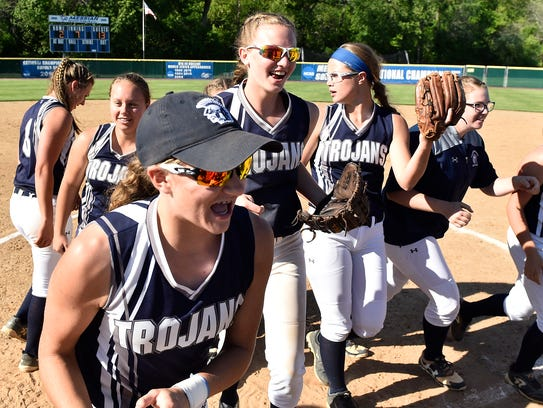 Chambersburg softball played Penn Manor in the District