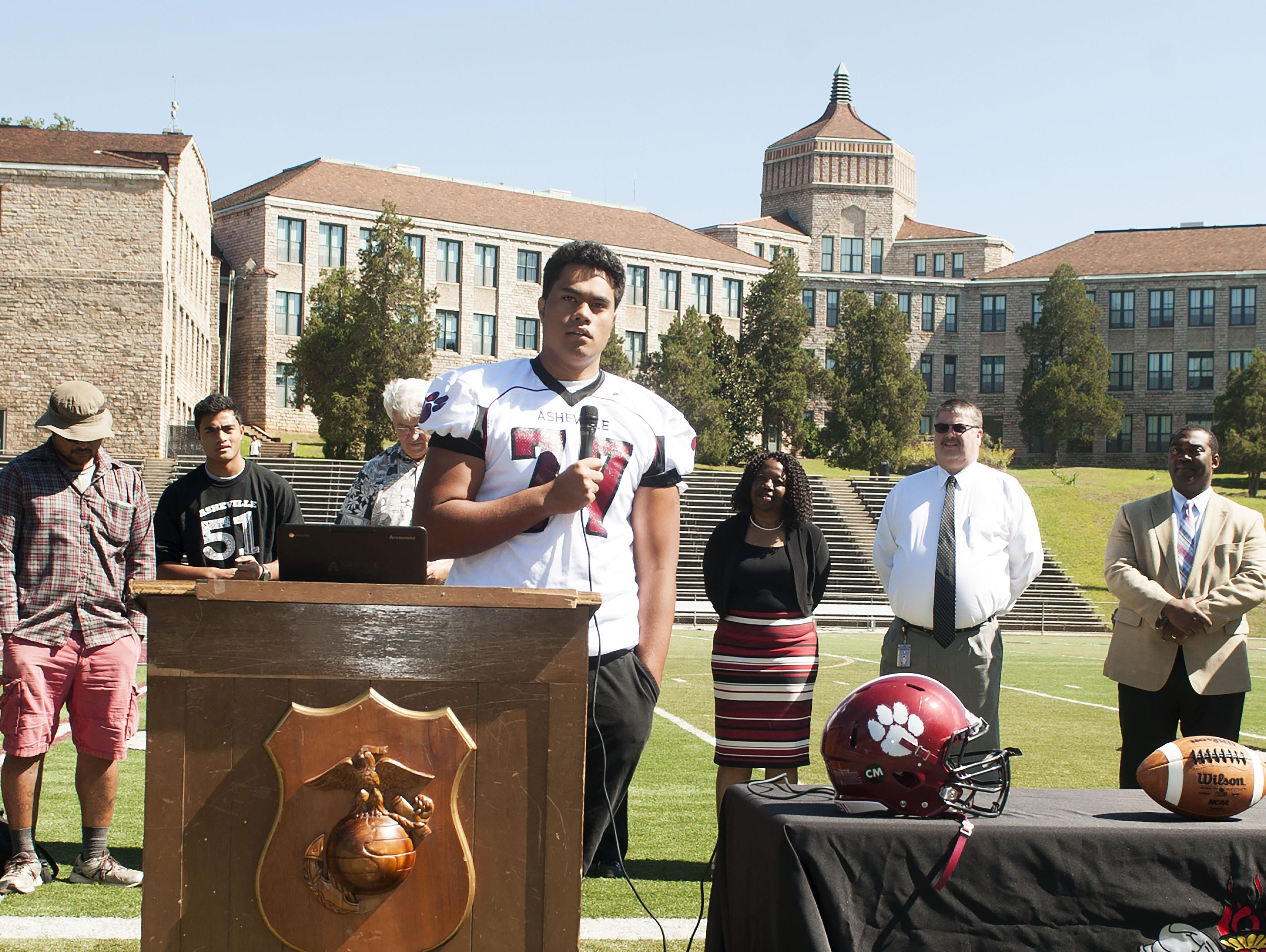 Asheville High senior Pete Leota committed to play college football for South Carolina on Sept. 17.
