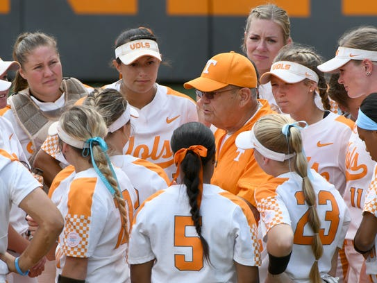 Lady Vols coach Ralph Weekly during a team huddle in