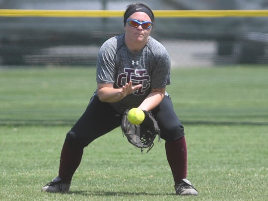 Hardin County's Madalynn Payne makes a bouncing catch in center field during game 4 of the 2018 TSSAA Class AAA State Girls' tournament game, Wednesday, May 23. Henry County defeated Hardin County, 8-1.