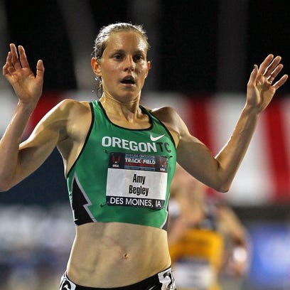 Amy Begley finishes first in the Womens 10,000 Meter