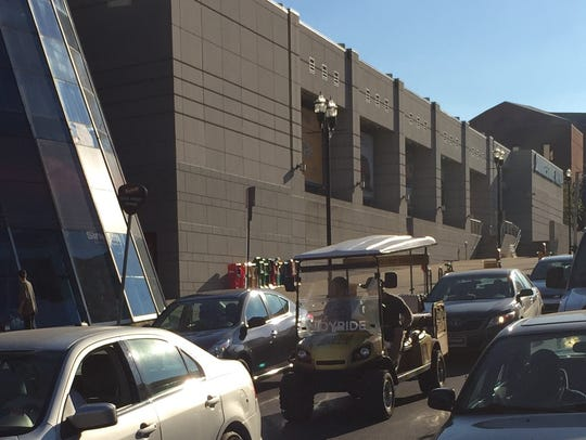 Downtown Nashville golf cart cab and tour company Joyride