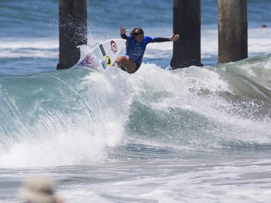Hawaii's Brisa Hennessy, 18, raised on Costa Rica waves,