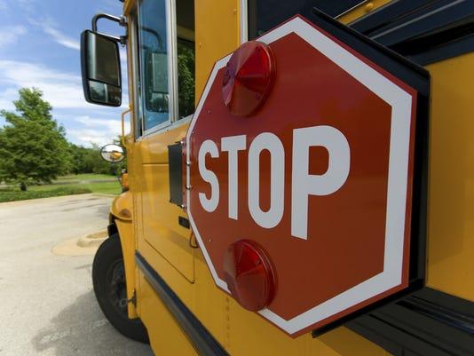 635775105521954053-School-Bus