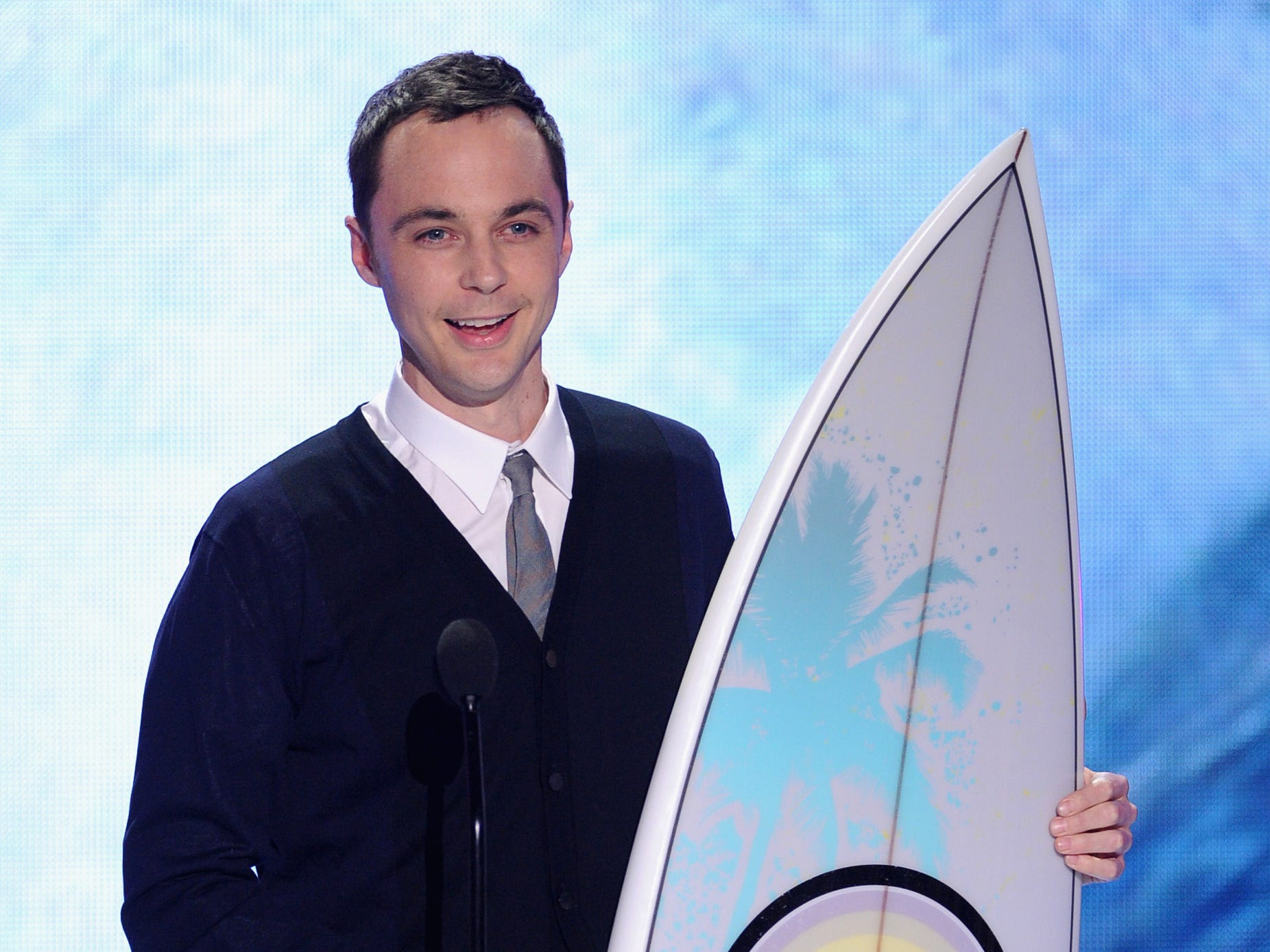 "Actor Jim Parsons accepts the Choice TV Actor: Comedy award for ""The Big Bang Theory."""