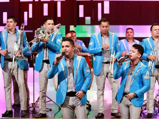 636663879498479503-Evoluciona-La-Arrolladora-Band-363438.JPG