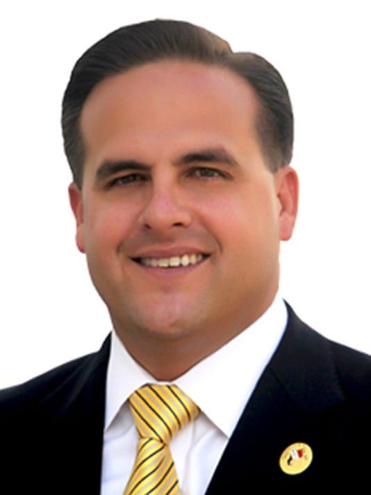 -TLHBrd_12-18-2012_Democrat_1_A005~~2012~12~17~IMG_FrankArtilesSIG.jpg._1_1_.jpg