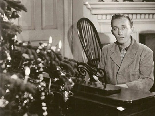 """Bing Crosby sings """"White Christmas"""" in the movie Holiday"""