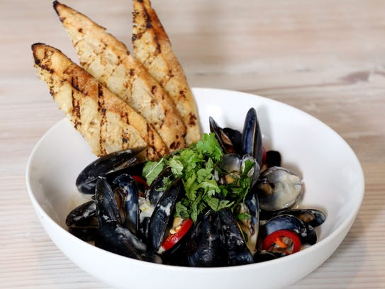 Green Curry Mussels at Salt & Vine.