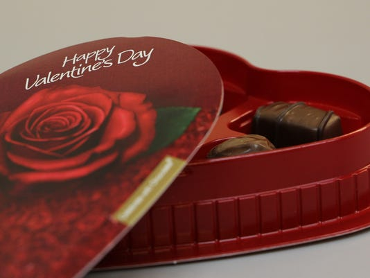 635908056415057617-valentines-day-chocolate.jpg