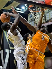 Vanderbilt Commodores guard Maxwell Evans (10) shoots