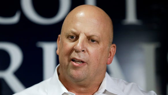 Rep. Scott DesJarlais, R-Tenn., speaks to supporters,
