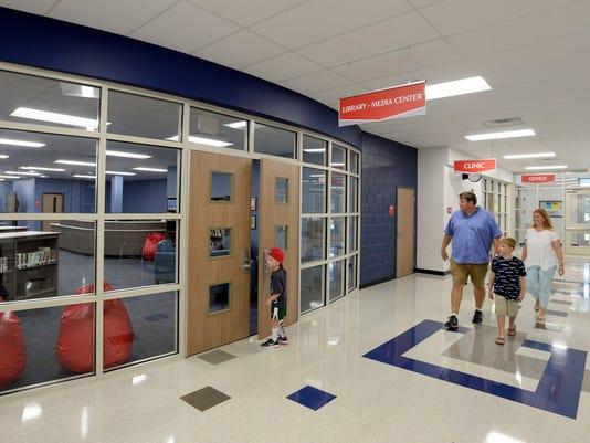 636691029562739324-NAS-Williamson-County-schools-open-023.JPG