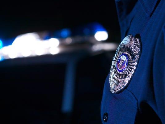 635949383863915441-police-badge.jpg
